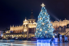 Christmas tree, Cloth Hall, Main Market Square, Old Town, Krakow, Poland (Cat Girl 007) Tags: ancient architecture buildings christmas christmasdecorations city cityscape clothhall cracow decorations europe exterior famous historic historical horizontal krakow landmark mainmarketsquare market medieval night old oldtown poland square tourism tower travel tree urban view