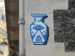 Space Invader PA_1385 (tofz4u) Tags: 75016 paris streetart artderue invader spaceinvader spaceinvaders mosaïque mosaic tile pa1385 vaseming mingvader