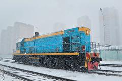 Spring snow day... (N.Batkhurel) Tags: season spring snow urban railway railfan 1520 locomotive diesellocomotive tem2 mongolia monrailpic station ngc nikon nikond5200 nikkor