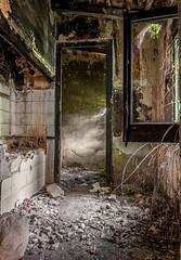 En la vieja estación. (Ricardo Pallejá) Tags: urbex urbanexploration decay d500 nikon old óxido urbandecay abandono abandoned antiguo tokina1116 lightroom ricardopallejáherrera ruinas