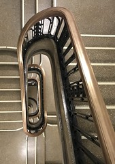 Geometry (Ogedn) Tags: lines curves steps geometry rails stairs brass