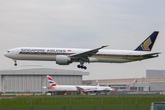 Singapore Airlines - Boeing 777-312ER 9V-SWE @ London Heathrow (Shaun Grist) Tags: 9vswe sq singapore singaporeairlines boeing 777 777312er shaungrist lhr egll london heathrow londonheathrow landing 27l aircraft airline aeroplane airport avgeek