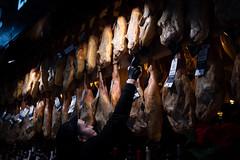 (Contebar) Tags: valencia mercat central jamon prosciutti street barbara conte