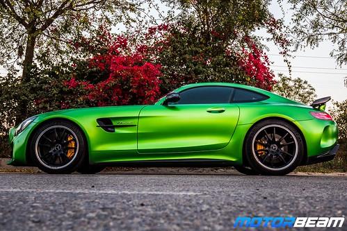 Mercedes-AMG-GT-R-29