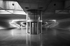Sous-Sol (Leica Monochrome) Tags: architektur utopia portugal lissabon street streetfotografie schwarzweiss blackandwhite blackwhite beton lift sousol garedooriente menschen