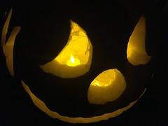 IMG_0646 October 31 2017 (tombrewster6154) Tags: halloween decoration pumpkin jackolantern autumn october greensboro northcarolina trick or treat smiley face