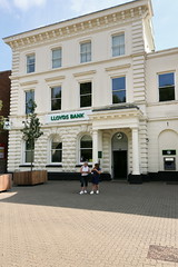 Redditch, Lloyds Bank (Clanger's England) Tags: england redditch worcestershire wwwenglishtownsnet bank et boe