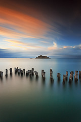 La grande pose ... (Ludovic Lagadec) Tags: saintmalo bretagne breizh brittany beach bretagnenord nd1000 dream ndfilter marin mer marée manche seascape sky sea sunset stmalo france filtrend filtre french fortnational canon6d coucherdesoleil colors castle gnd16