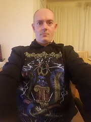 Day 66 (Iain Purdie) Tags: metal heavymetal transcendingobscurity hoodie clothes clothing happy 2019