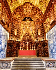 Altar in the Igreja do Colégio dos Jesuítas de Ponta Delgada (Kumukulanui) Tags: altar church igreja jesuit pontadelgada saomiguel azores açores gold flickrsbest portugal