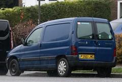P260 LWG (Nivek.Old.Gold) Tags: 1997 peugeot partner 600 van 1905cc diesel