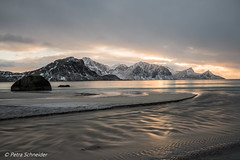 Evening at Haukland beach (Petra S photography) Tags: haukland lofoten lofotenislands longexposure norge norway nordland northernnorway nordnorwegen beach eveninglight wintermood winterlandschaft langzeitbelichtung