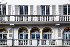 Bellevue (bhermann.hamburg) Tags: haus gebäude house building fenster window weiss white gelb yellow hamburg germany deutschland bellevue