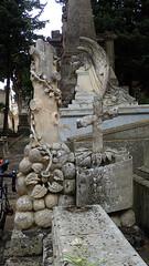 Tree of life - cut short (david_m.hn) Tags: italien italy sizilien sicily statue engel angel friedhof cemetary outdoor necopolis nekropole