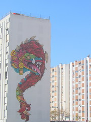 arte comprida (Américo Meira) Tags: portugal lisboa arteurbana grafitti