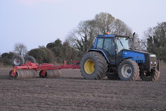 Valmet 8400 Tractor with a HE-VA VIP-Roller Ring Roller (Shane Casey CK25) Tags: valmet 8400 tractor heva viproller ring roller agco blue traktor traktori tracteur trekker trator ciągnik plough ploughing turn sod turnsod turningsod turning sow sowing set setting tillage till tilling plant planting crop crops cereal cereals county cork ireland irish farm farmer farming agri agriculture contractor field ground soil dirt earth dust work working horse power horsepower hp pull pulling machine machinery nikon d7200