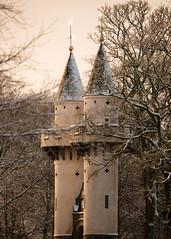 Powis Gate (PeskyMesky) Tags: aberdeen powisgate aberdeenuniversity architecture city snow scotland winter february 2019 tower tree canon canon5d eos