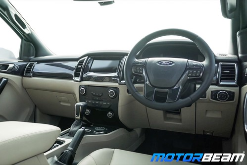2019-Ford-Endeavour-19