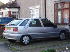 1997 Citroën ZX 1.4i SX (Neil's classics) Tags: vehicle 1997 citroën zx 14i sx car