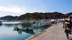 fine day (Steve only) Tags: sony xperia xzs cellphone snap japan sky cloud sea boats peopleinthecity