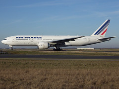 F-GSPJ, Boeing 777-228(ER), 29009 / 263, Air France, CDG/LFPG 2019-02-14, taxiway Bravo-Loop. (alaindurandpatrick) Tags: fgspj 29009263 777 772 777200 boeing boeing777 boeing777200 jetliners airliners af afr airfrans airfrance airlines cdg lfpg parisroissycdg airports aviationphotography