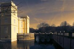 Castle d'Ursel bathing in the evening sun - Hingene - Belgium (roland_tempels) Tags: castles water hingene supershot belgium bridge monument parc sunlight sky