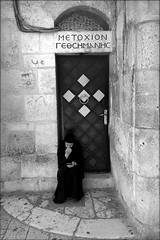 jesus online (bostankorkulugu) Tags: religion nun sister chat church middleeast christian orthodox holyland israel churchoftheholysepulchre