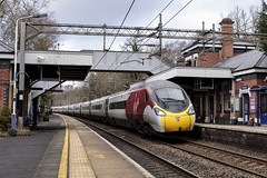 20190209_IMG_1894 (PowerPhoto.co.uk) Tags: virgintrains vt class390 pendolino electricmultipleunit emu 390008 poynton 1a31 train railway station platform footbridge