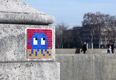 PA_343 Reactivated space invader in Paris 16th (Sokleine) Tags: spaceinvader invader street streetart artderue arturbain urbanart rue urban wall mur paris france ceramics tiles 75016