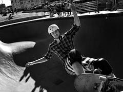 on edge (gro57074@bigpond.net.au) Tags: onedge skatepark f90 2470mmf28 tamron d850 nikon 2019 march skateboard monochromatic monotone monochrome mono bw blackwhite sport bondibeach bondi skater man skate guyclift