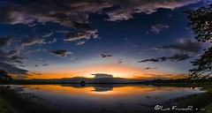 la hora azul en su esplendor. - the blue hour in its splendor (Luis FrancoR) Tags: horaazul panoramic panoramica sunset atardecer lahoraazulensuesplendorthebluehourinitssplendor2 luisfrancor ngw ngs ngd ngg ng ngc ngo ngm colombia colors bluehour blue reflects reflejos