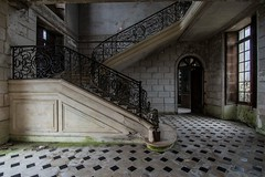 beautiful Stairs (Christin-BildinGrau) Tags: urbex urbanexploration urbexphotography abandoned abandonedplaces lostplaces lostplacesphotography decay decayphotography beautyindecay chateau abandonedchateau