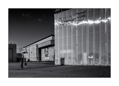 Le futur marin! (bertranddorel) Tags: street streetphoto rue photoderue nb bn wb bw bnw blancetnoir noiretblanc whiteandblack blackandwhite enfant lid chilfren famille family père usine portarit port bretagne lorient morbihan franceeurope ciel sky contrast vie life urbain urban town city nikon tamron