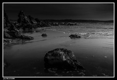 Rivage... (faurejm29) Tags: faurejm29 canon sigma sea seascape sky sable ciel mer monochrome paysage plage beach bretagne