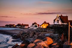 Graswarder im Abendlicht (pyrolim) Tags: heiligenhafen graswarder ostsee balticsea steine strand