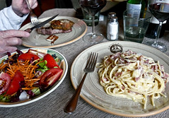 photo - Dinner 2nd night, Le Botteghe di Donatello, Florence (Jassy-50) Tags: photo florence italy lebotteghedidonatello restaurant italian meal food beef steak salad spaghetticarbonara spaghetti carbonara pasta