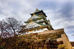 Osaka Castle (Synghan) Tags: osakacastle castle osaka japan japanese architecture building tall builtstructure lowangle artificial manmade photography outdoor colourimage fragility freshness nopeople foregroundfocus adjustment interesting awe wonder fulllength depthoffield vivid sharpness tranquility peace clouds cloudy day daylight kansai 오사카 오사카성 일본 간사이 samsung sms737j galaxy wide3 horizontal