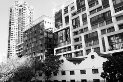 White & Black (Thanathip Moolvong) Tags: bw wb black white building cargo warehouse pulau swinging robertson quay singapore architect red filter cokin