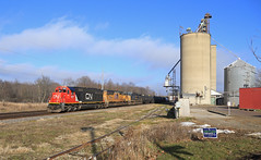 Potterville (GLC 392) Tags: potterville gizzard city elevator cn canadian national emd sd60 5471 road railroad railway train tree trees m399 sd70m cw408 c408w gecx 5005 up union pacific 7822 good power freight mi michigan sky