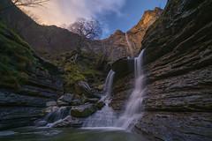 Bajo el Nervion - Under the Nervion (teredura58) Tags: nervion waterfall jump river delika alavavision