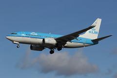 737-700 LHR (clackzuk) Tags: boeing 737700 klm heathrow lhr phbgi