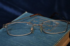 93/119 Spectacles (PalmyLisa) Tags: 119in2019 119 spectables book reading glasses eyesight