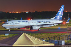 HP-1711CMP - Boeing 737-8V3 - Copa Airlines 70 Years Livery) (1) (RafaelBateraSSA) Tags: ssa sbsv salvador night boeing airbus nikon sideral avianca jordan tap copa airlines gulfstream g450 737f a320 767 a330 planes spotter