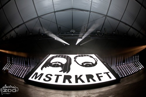 EZ2011_BSK-Friday-MSTRKRFT-2252