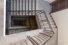 Treppenhaus (Frank Guschmann) Tags: ausflug schöneweide treppe treppenhaus berlin deutschland staircase stairwell escaliers stairs stufen steps architektur frankguschmann nikond500 d500 nikon de