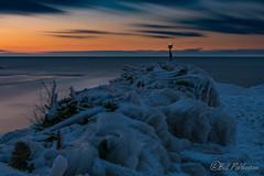 DSC_7888.jpg (GrandView Virtual, LLC - Bill Pohlmann) Tags: up upperpeninsula blackriverharbor greatlakes bessemermi winter lakesuperior sunset michigan navigationbeacon breakwater ice