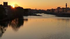 Tramonto dal Ponte di San Niccolò (Luna y Valencia) Tags: arno pontesanniccolò fiume river bridge florencia florence firenze