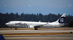 B737-900 Alaska Airlines Old Colors (Infinity & Beyond Photography: Kev Cook) Tags: alaska airlines boeing 737 b737 aircraft airliner seattle international airport seatac se ksea planes
