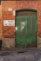 Se prohibe fijar carteles (J. Zweig) Tags: nikon nikond5200 d5200 sigma affinityphoto toledo fotourbana urbanphoto urban door spain europe europa
