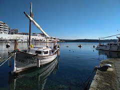 Janaka (Micheo) Tags: calesfont menorca spain españa magicmoment agua barco boat dreaming domingoporlamañana sundaymorning